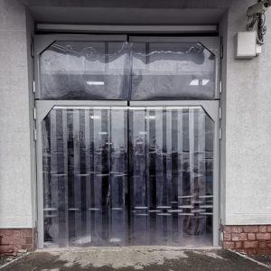 Маятниковые двери пленочные